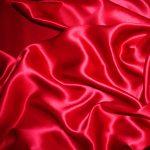 Come lavare abiti di seta per le cerimonie