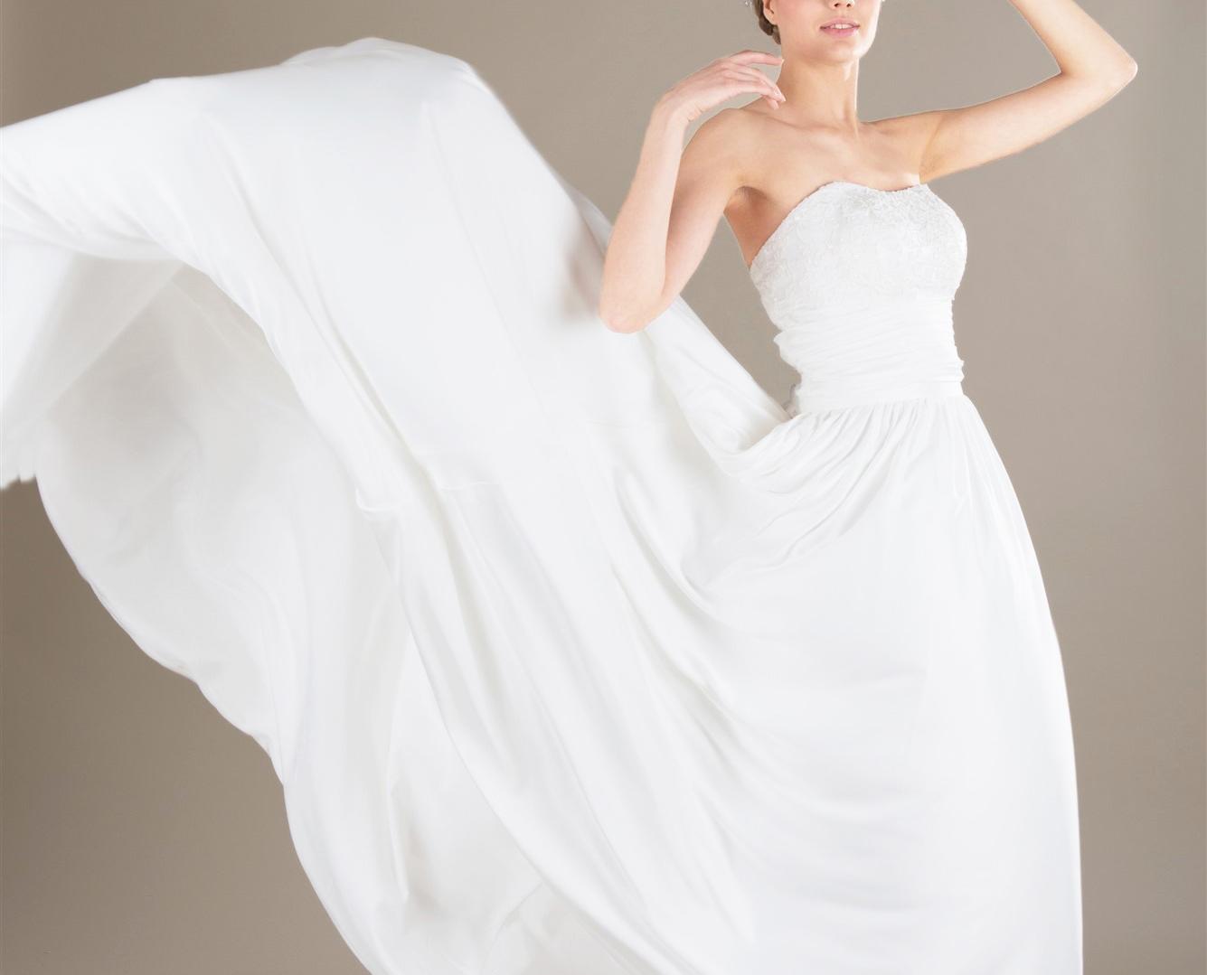 La seta, il tessuto migliore per un abito
