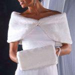 Pelliccia per abiti da sposa, l'accessorio ideale per i matrimoni d'inverno